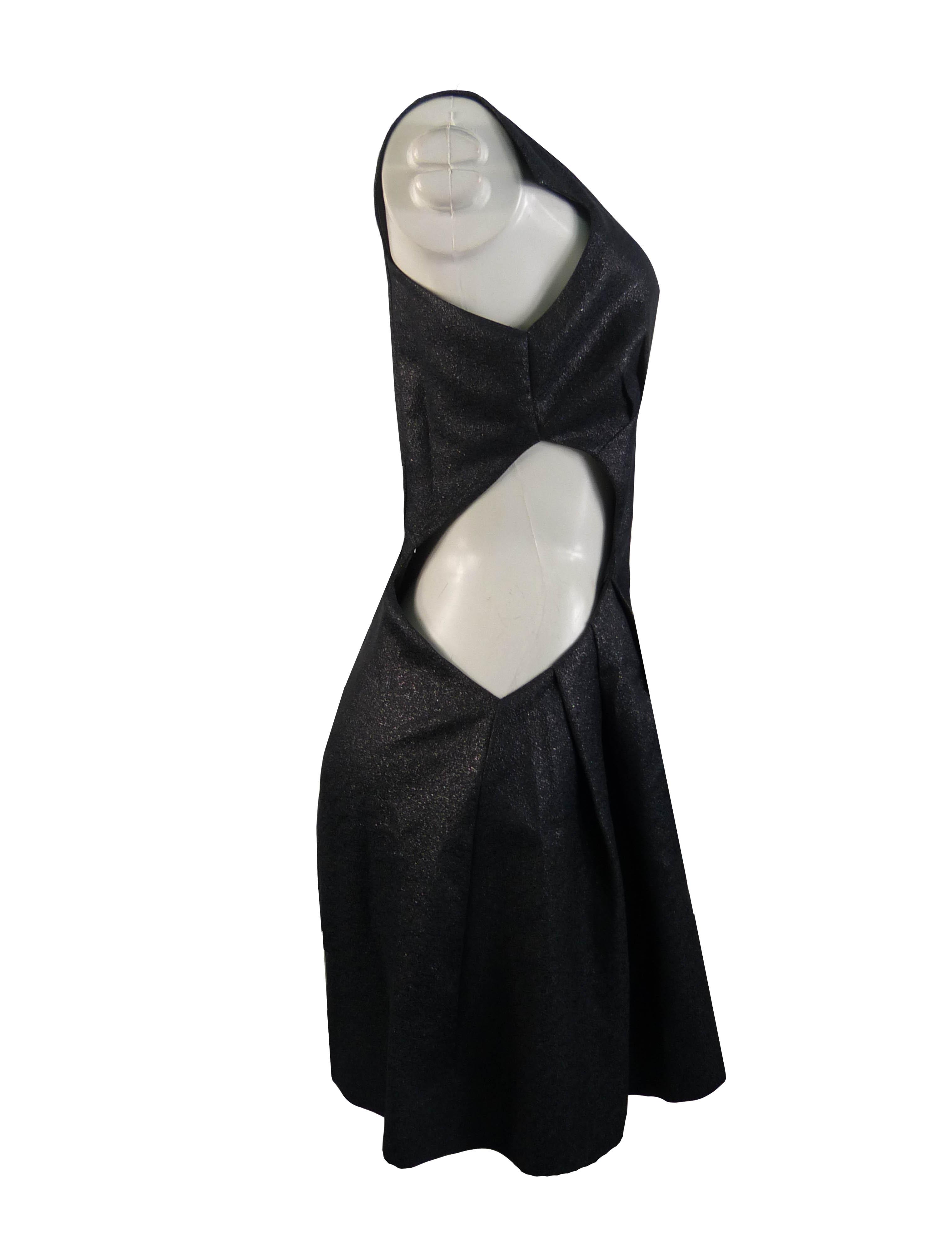 Vestido Recorte com Decote Retangular Cinza Wagner Kallieno